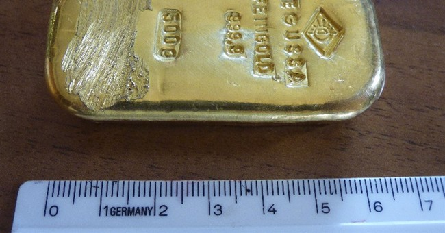 Teen finds gold bar while swimming in German Alpine lake