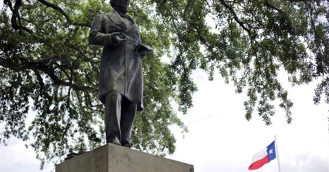 University of Texas moving statue of Jefferson Davis