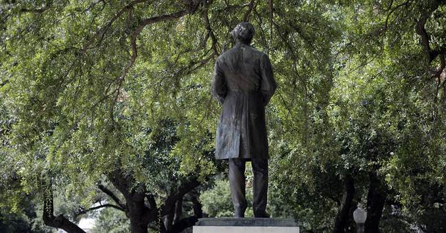 Challenge stops confederate statue move at Univ. of Texas