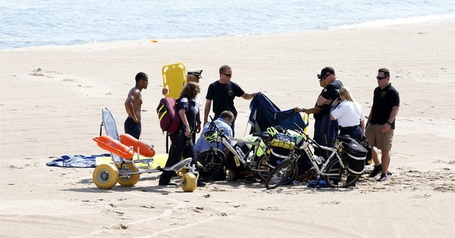 2 parachutists injured at Chicago Air & Water Show