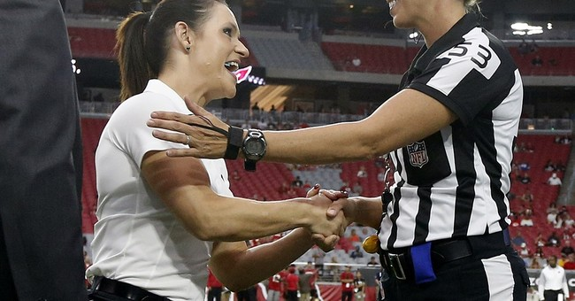 Welter, Thomas give preseason game a female flair