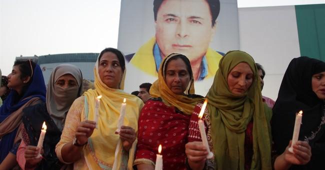 Pakistan: Airstrikes kill 65 militants near Afghan border