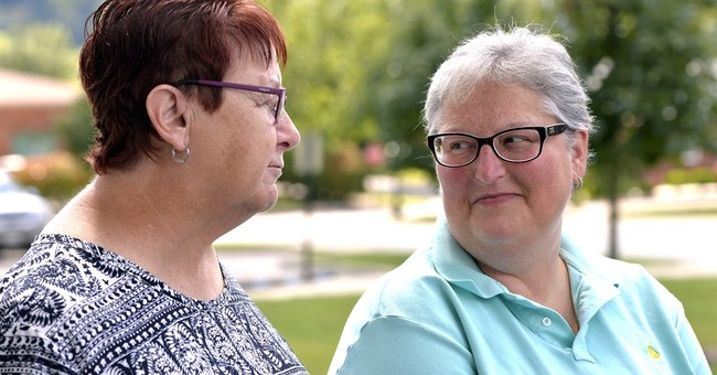 Gay couples win, but still lose after Kentucky judge's order