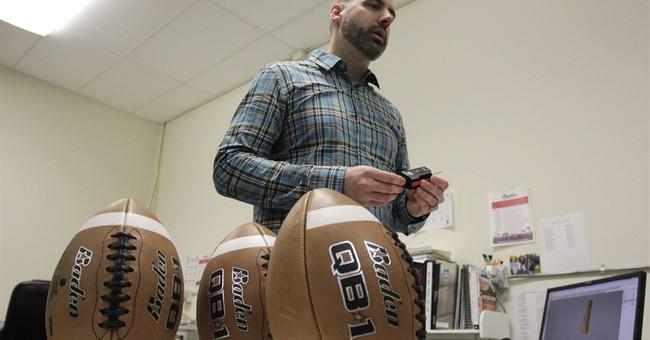 AP Video: Former NFL quarterback talks deflated footballs