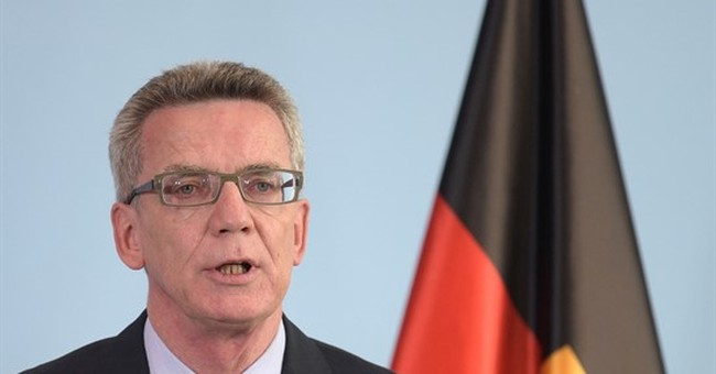 Germany now awaits 800,000 migrants in 2015, 4x last year