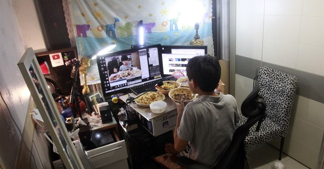 A meal and a webcam form unlikely recipe for S. Korean fame