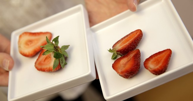 Popular foods taking on new hues without artificial dyes