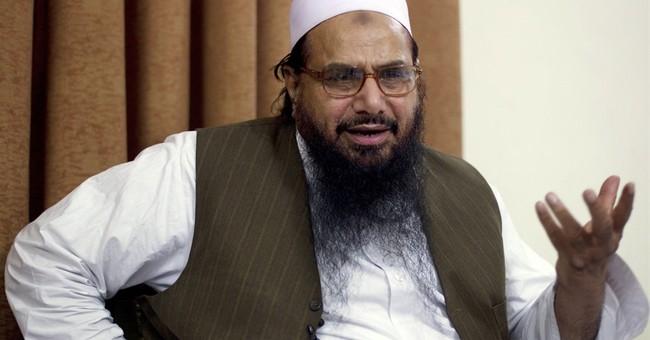 Pakistan court bans film after suspected militant complains