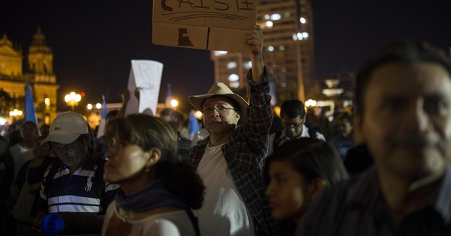 3 Guatemalan officials resign to protest corruption