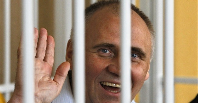 Belarusian president frees all 6 political prisoners