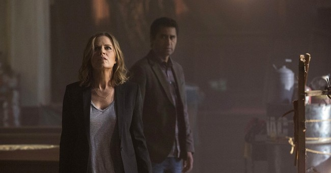AMC's 'Fear the Walking Dead' debuts to record audience