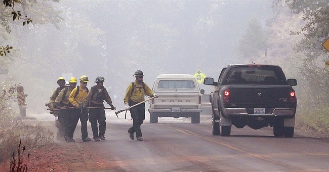 Fire crews eye weather as heat, wind build in parts of West