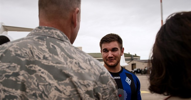 Oregon guardsman who helped stop train attack to be honored