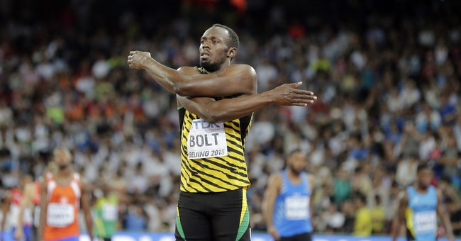 While chasing Bolt, Gatlin shakes off criticism at worlds