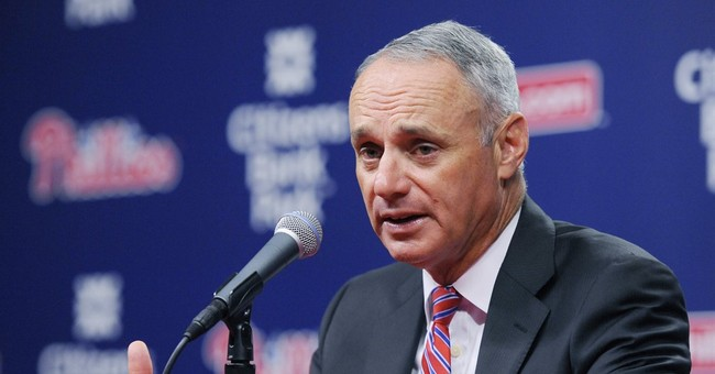 Fan at Phils game hurt soon after Manfred talks about safety