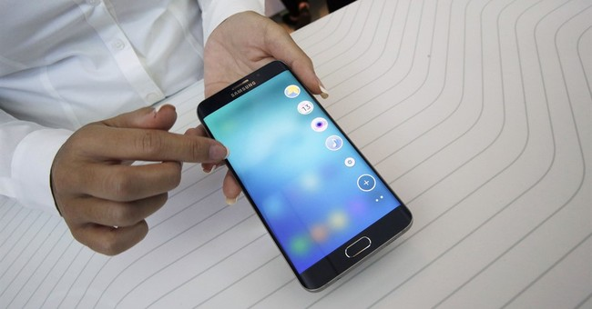 Review: New phones, tablets keep Samsung at Android helm