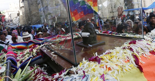 Bolivia caravan celebrates return of god of prosperity