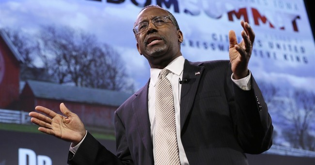 At Iowa conservatives' event, Carson hits immigration theme