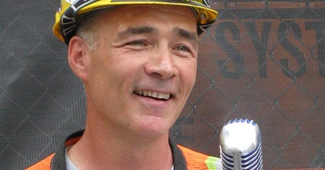 Police: Construction crooner found dead in apparent suicide