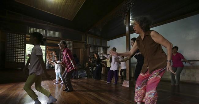 Filipino wins Magsaysay award for work to save ancient dance
