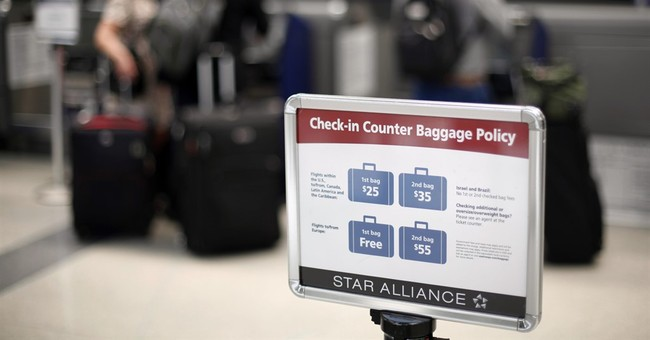 Consumer panel: Airlines should disclose fees, seat size