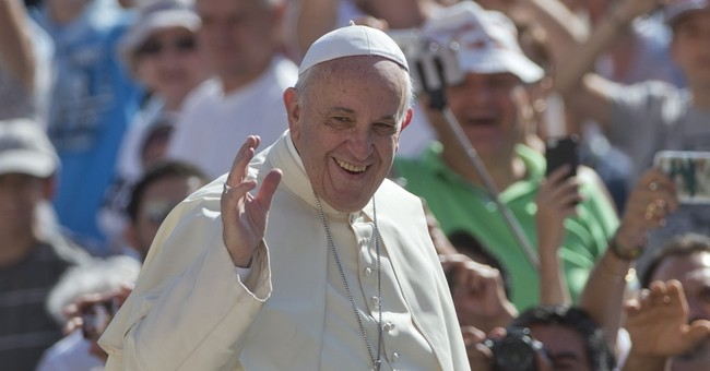Pope Francis asks bullied Chicago girl to sing for him