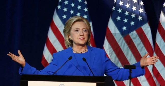 Clinton aides says 2016 bid hurt by email controversy