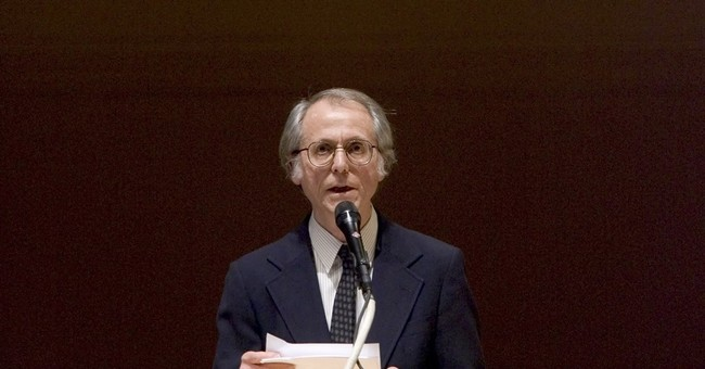 Don DeLillo receiving honorary National Book Award