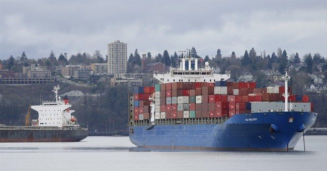 US trade deficit drops to $41.9 billion in July