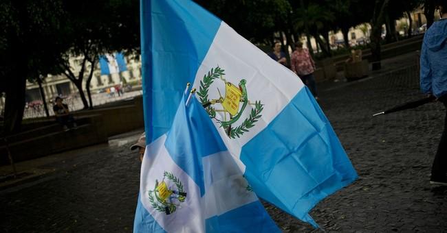 Guatemala prosecutor gets judge's order to detain president