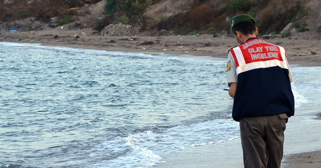 Image of dead child on beach haunts and frustrates the world