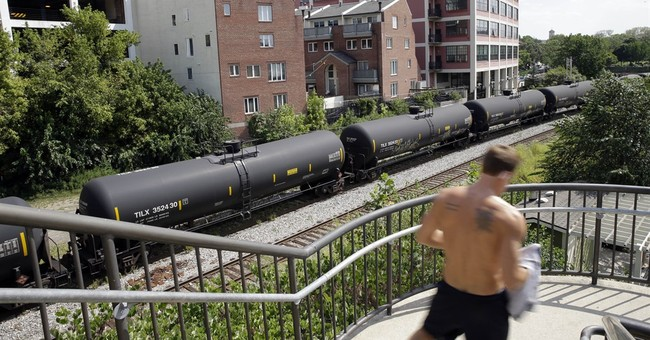 Big cities scramble to be prepared for an oil train disaster