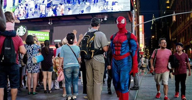 Plainclothes cops keep eye out for Times Square hustlers