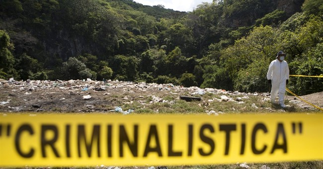 Mexican government affirms that students burned at dump
