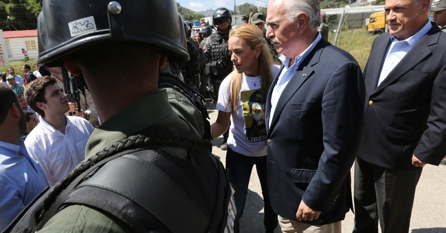 Venezuela blocks meeting of former leaders, opposition chief