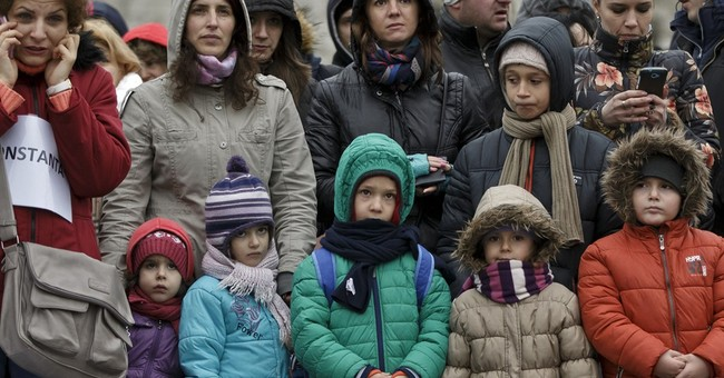 Romanians protest Swiss franc loans repayments