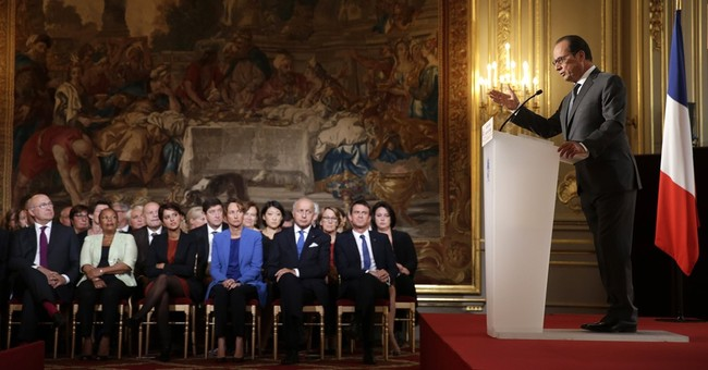 France considering airstrikes in Syria, sending recon jets