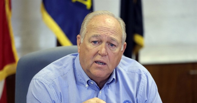 UAW president says he hasn't picked an automaker to target