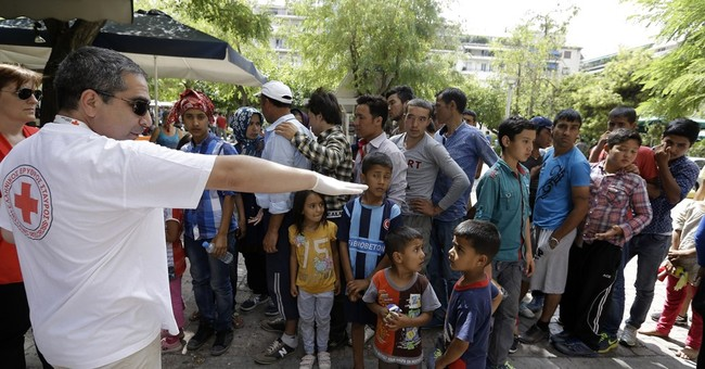 Officials: US to increase number of refugees by 5K next year