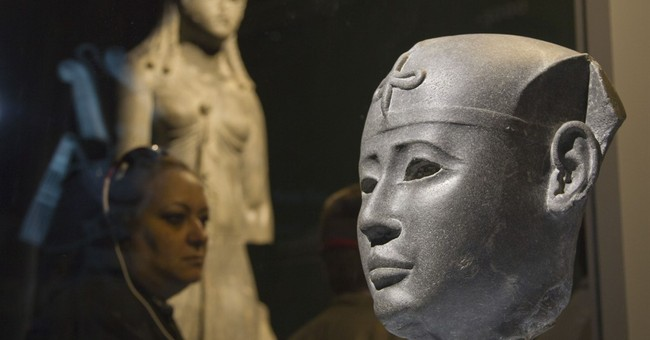 Paris Egypt exhibit holds defiant message for Islamic State