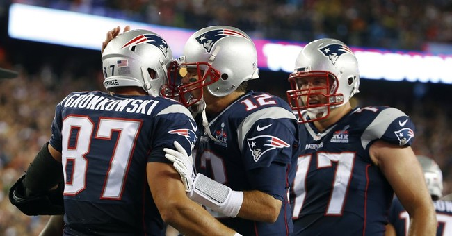 Brady throws 4 TDs to TEs in 28-21 win