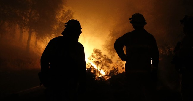 The Latest: Wildfire in Gold Country destroys 86 homes