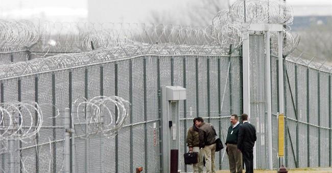 Spokesman: 3 inmates dead, 5 injured at Oklahoma prison
