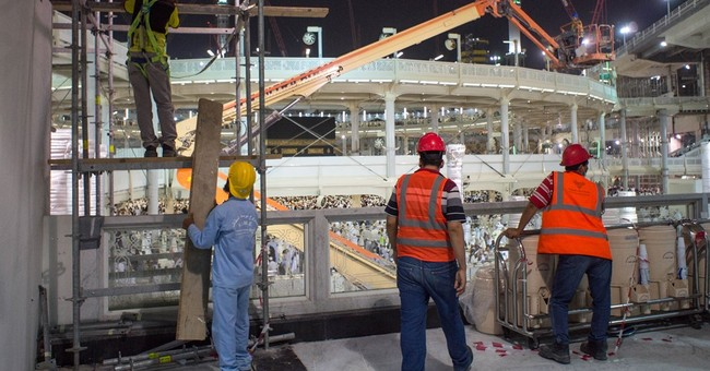Pilgrims traumatized, asking how Mecca crane could collapse