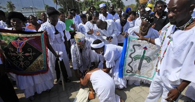 Voodoo priests' leader Max Beauvoir dies in Haiti