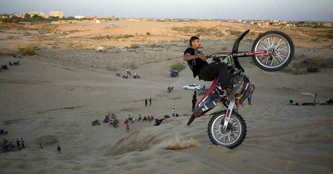 AP PHOTOS: Gazans embrace extreme sports despite isolation
