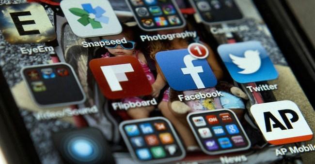 2016 candidates jump to raise money via new Twitter service