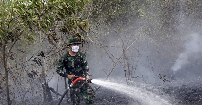 Image of Asia: Fighting Indonesia's forest fires