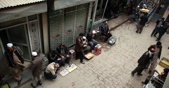 Afghan economic crisis looms as foreign aid dollars depart