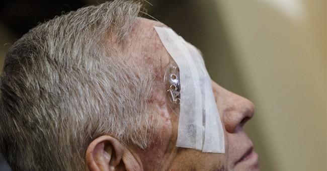 Sen. Harry Reid undergoes surgery on eye